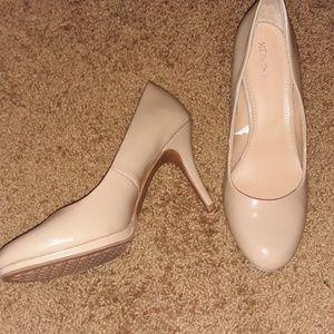 Basic nude heels size 9